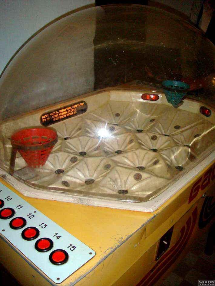 Игровой автомат Gold Factory - 777-