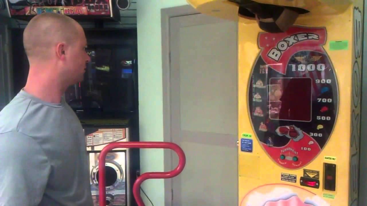 Sharky Рыбак играть бесплатно в игровой автомат Пират