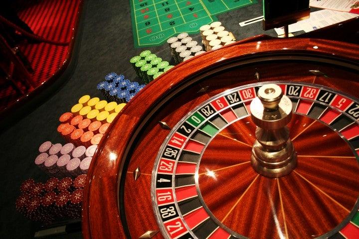 Играть Черти игровой автомат Lucky Drink бесплатно и онлайн